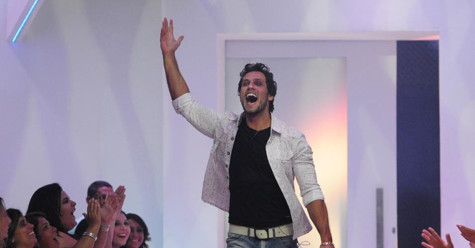 26.fev.2013 - Com 46% dos votos, Eliéser é o sétimo eliminado do