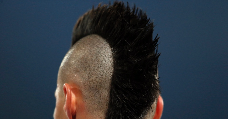01.mar.2013 - Marek Hamsik, do Napoli, exibe seu estiloso penteado moicano durante o empate por 1 a 1 com a Juventus, pelo Campeonato Italiano