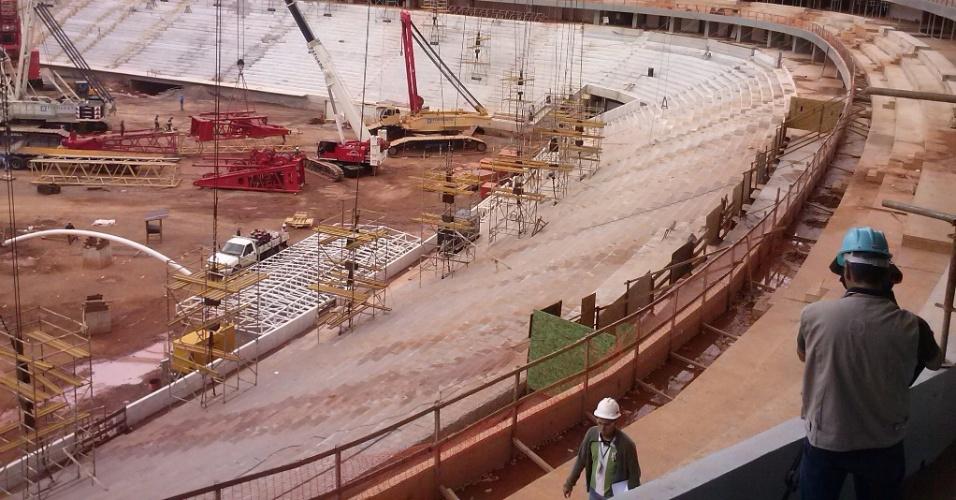 1º de março de 2013 - Para o governo do DF, obra do Mané Garrincha está 90% concluída