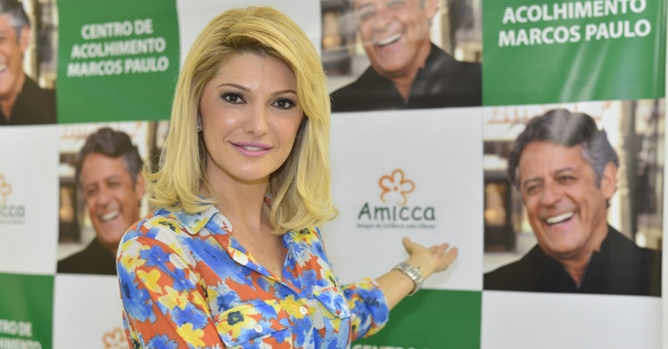 1.mar.2013 - Antonia Fontenelle inaugurou o