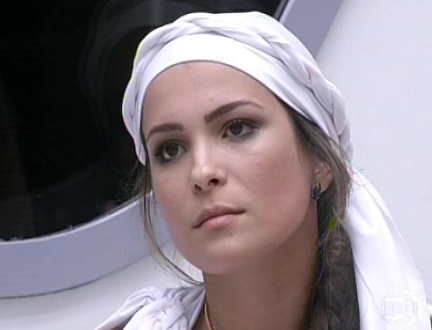 1º.mar.2013 - Kamilla fica chocada ao saber que não é mais a líder