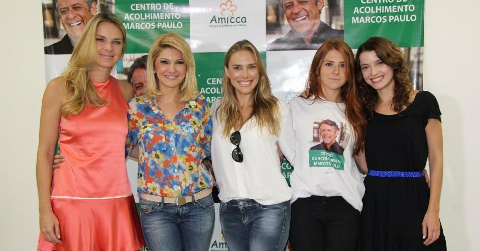 1.mar.2013 - Letícia Birkheuer, Mariah Rocha e Júlia Farjado prestigiaram a inauguração o Centro de Acolhimento Marcos Paulo, no Rio. A casa tem por finalidade ajudar crianças com câncer