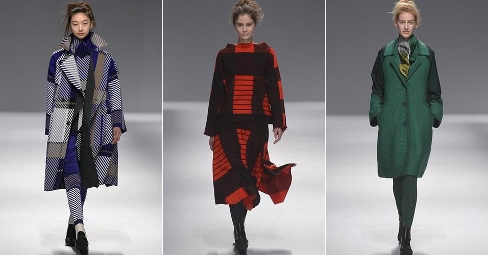 Modelos apresentam looks de Issey Miyake para o Inverno 2013 durante a semana de moda de Paris (01/03/2013)