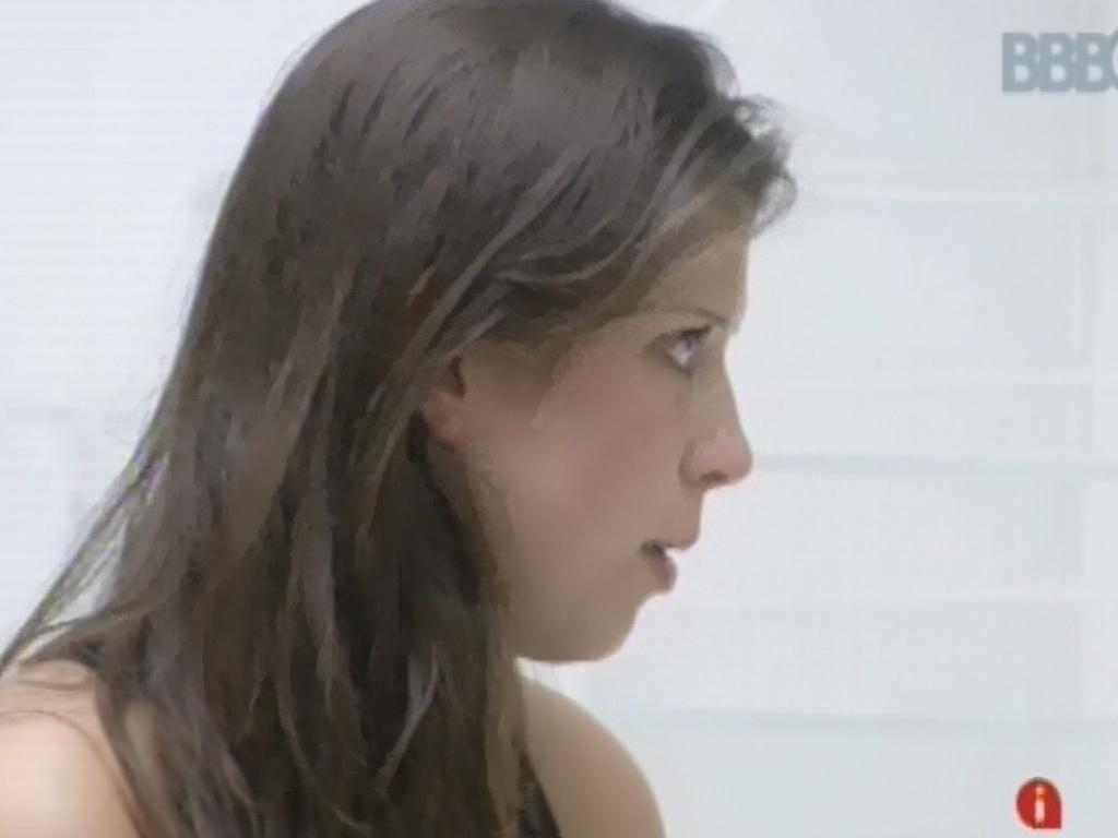 2.mar.2013 - Andressa justifica voto em Kamilla e diz que torce por permanência da sister