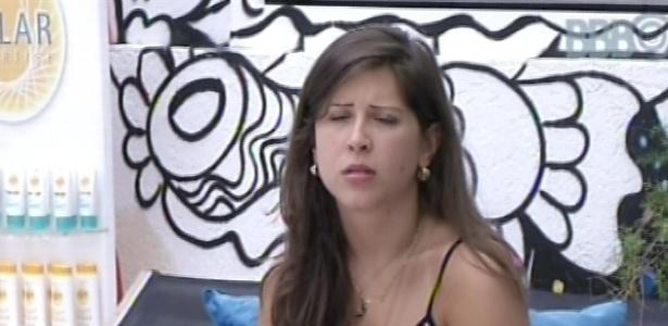 2.mar.2013 - Andressa pergunta para Natália se a gaúcha já conversou com Kamilla sobre os votos que a levaram ao paredão