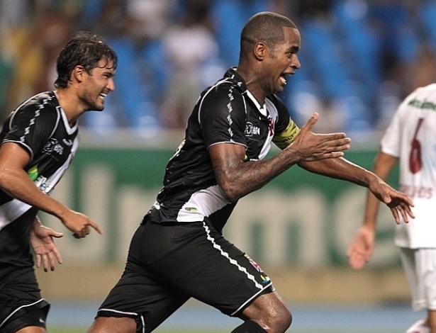 Dedé marcou o terceiro gol do Vasco e ajudou o time cruzmaltino a chegar na final da Taça Guanabara