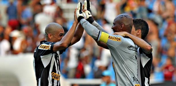 Desenho de peixe de Jefferson chamou atenção durante vitória do Botafogo sobre o Fla