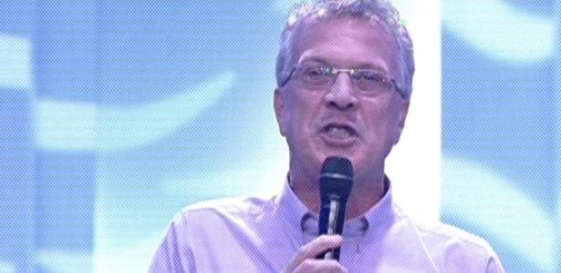 3.mar.2013 - Pedro Bial anuncia o início do programa e o oitavo paredão