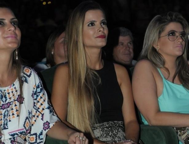 3.mar.2013 Flávia Fonseca, mulher do cantor Luciano, pretigiou mais uma noite de apresentação da dupla sertaneja no cruzeiro