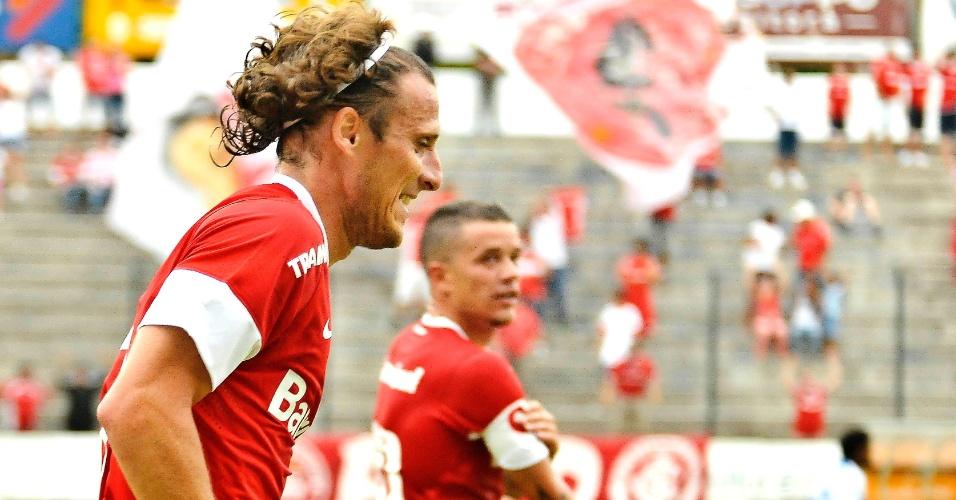Com os dois gols deste domingo, Forlán chegou a seis no Campeonato Gaúcho e alcançou a artilharia