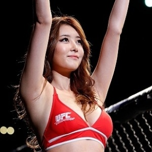 Su-Jung Lee desfila no UFC Japo para mostrar a beleza oriental