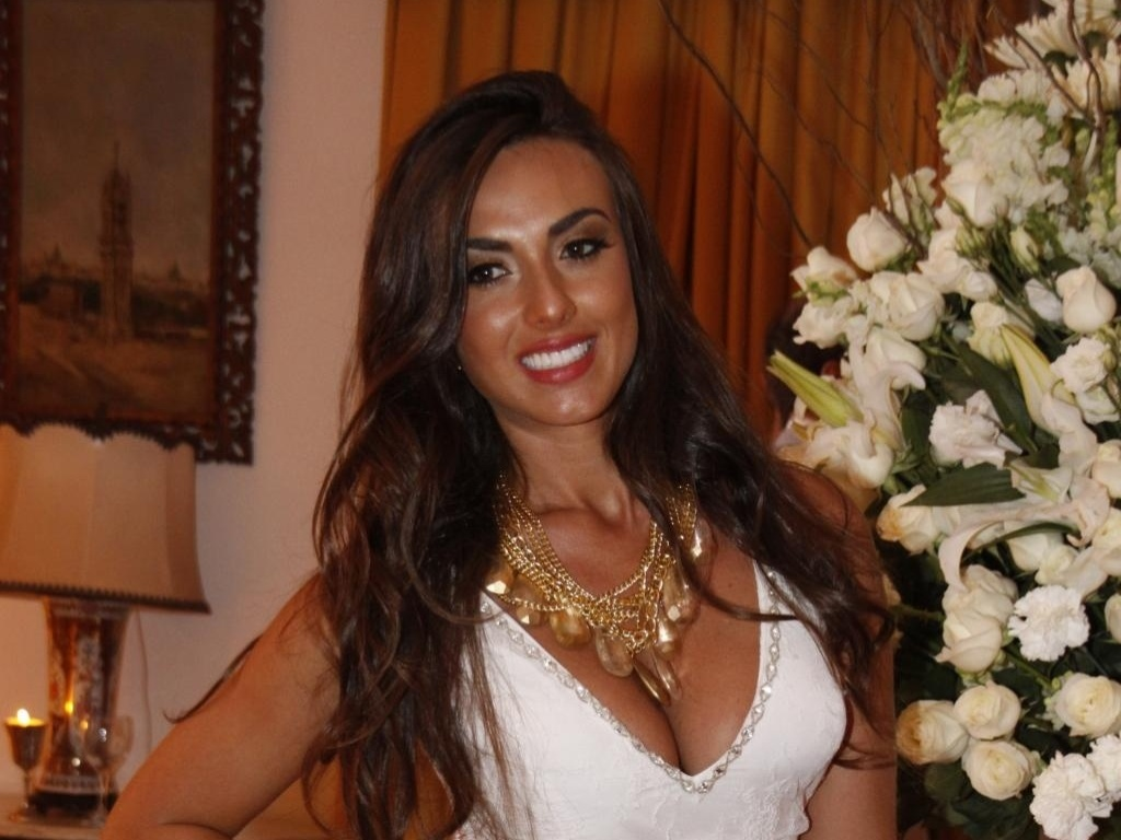 4.mar.2013 - A ex-panicat Nicole Bahls