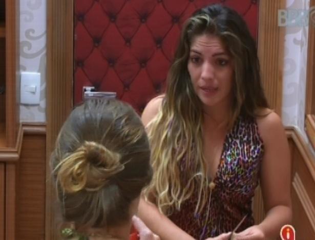 4.mar.2013 - Anamara conversa com Natália sobre atitudes que ela não gosta na casa