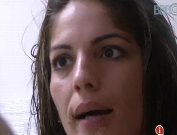 4.mar.2013 - Anamara diz que tem vontade de vomitar ao enxergar Fernanda