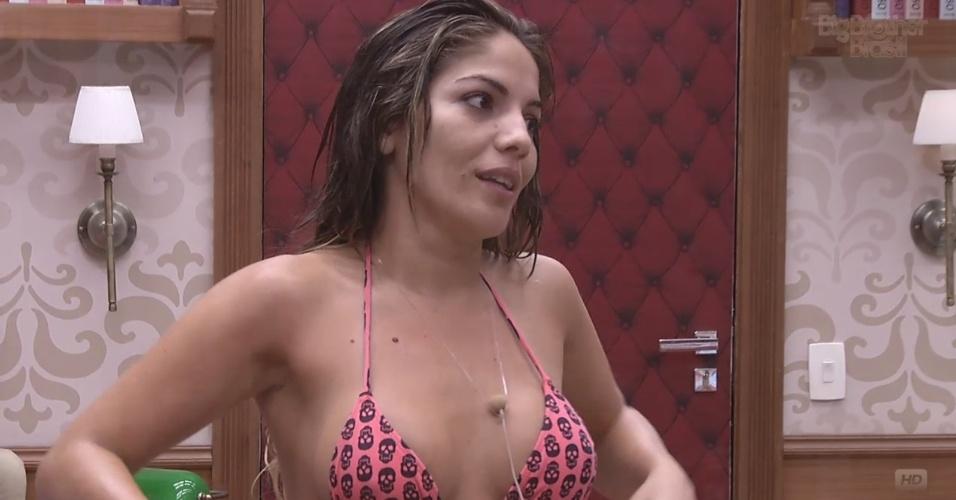 4.mar.2013 - Anamara reclama de Fernanda para Fani