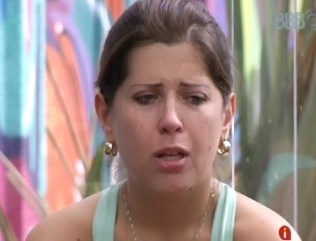 4.mar.2013 - Andressa chora e diz ter medo de ser considerada caipira e picolé de chuchu