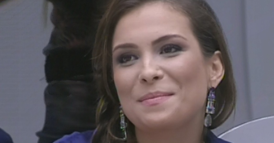 4.mar.2013 - Última a ter o nome sorteado, Kamilla entrega poder do