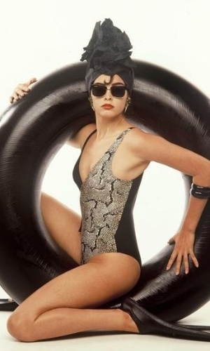 A atriz Suzy Rego relembrou recentemente sua carreira de modelo e divulgou foto de 1988