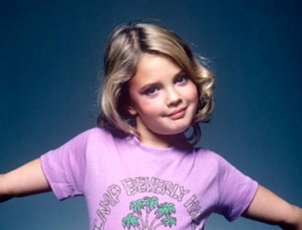 """Drew Barrymore, na época em que protagonizou """"E.T."""", já fazia pose para fotos"""