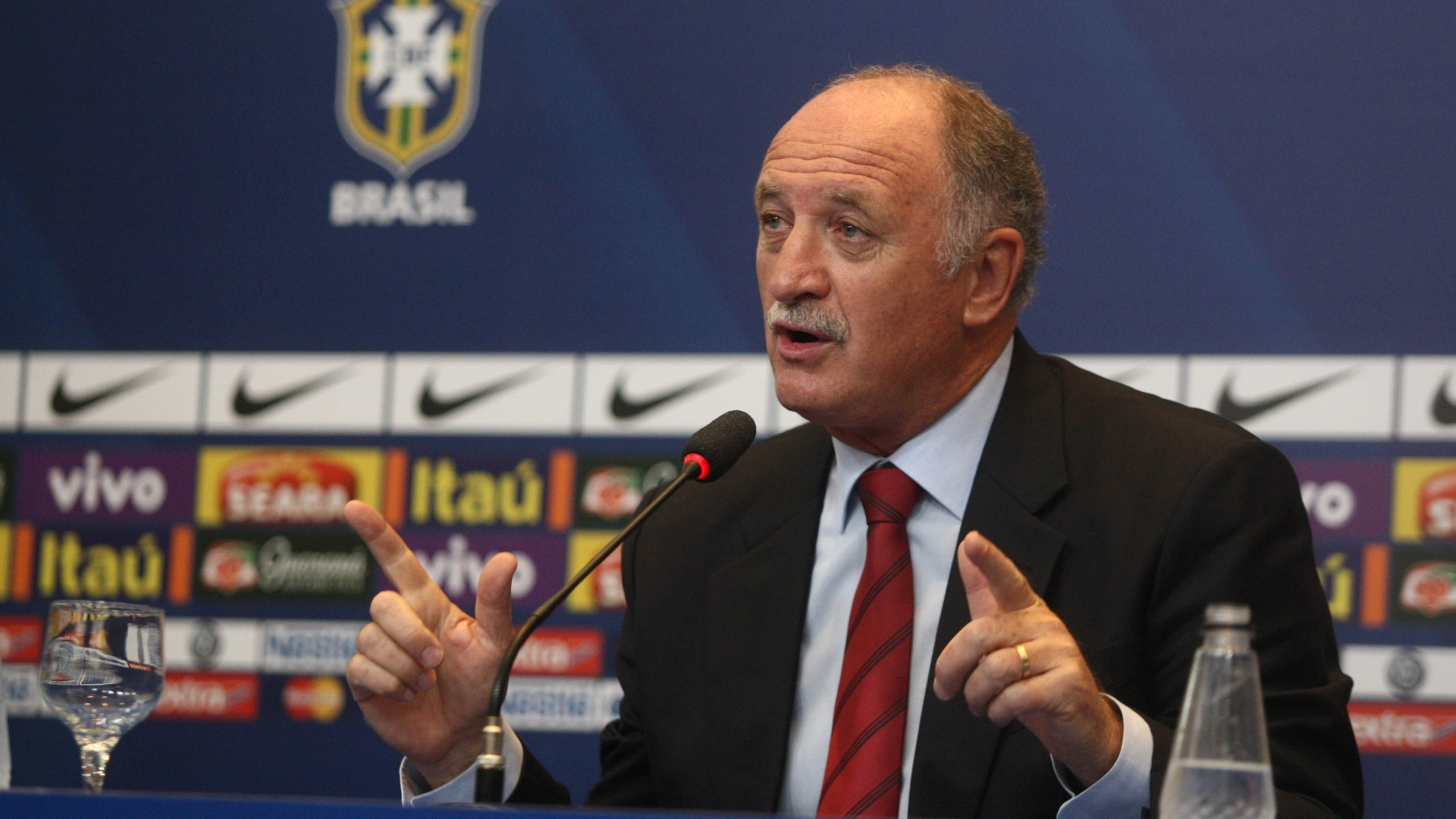 05.fev.2013 - Luiz Felipe Scolari concede entrevista coletiva aps o anncio da convocao da seleo brasileira