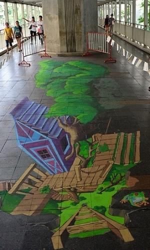 05.mar.2013 - Os artistas levam em média de três a quatro dias para compor uma peça de cerca de 20 metros quadrados