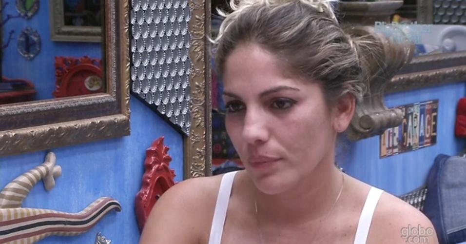 5.mar.2013 - Anamara diz para Fani que sente que será eliminada nesta terça (5)