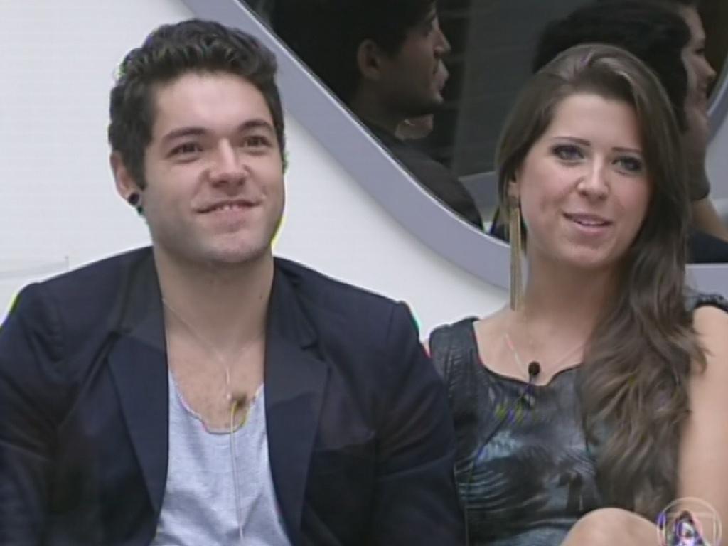 5.mar.2013 - Andressa confirma a Bial que nunca havia visto uma peça de tetaro até a apresentação do musical