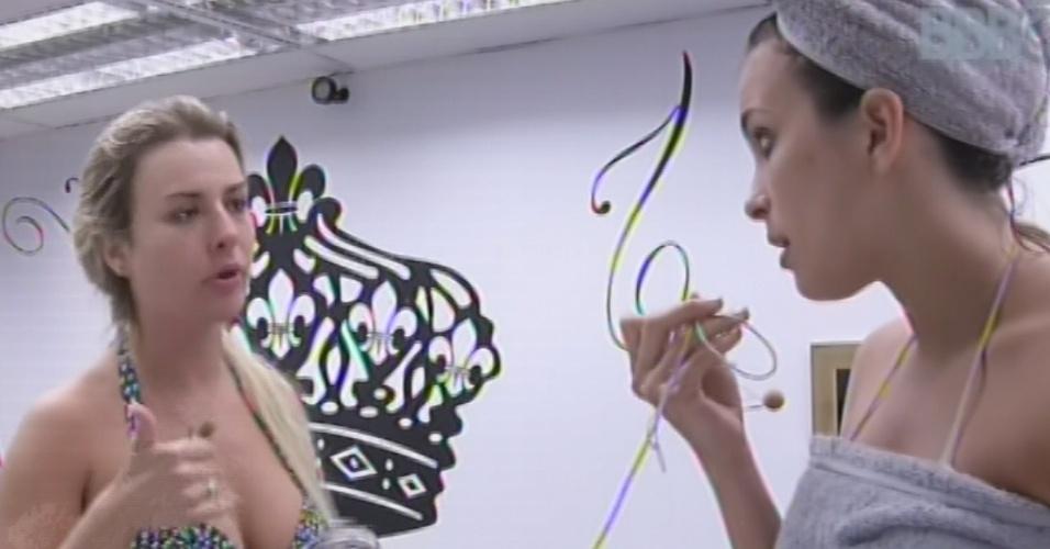 5.mar.2013 - Fernanda esclarece para Kamilla como foi conversa entre ela e Natália
