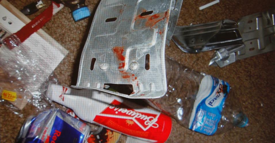 6.mar.2013 - Apartamento do cantor Chorão foi encontrado com muitos objetos ensanguentados