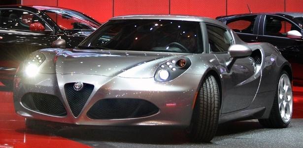 Alfa Romeo 4C: uma espécie de esportivo em tom menor, mas com charme inegável