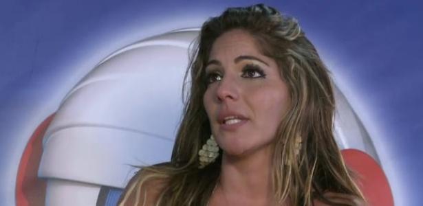 """Anamara se emociona durante chat com internautas após eliminação do """"BBB13"""""""