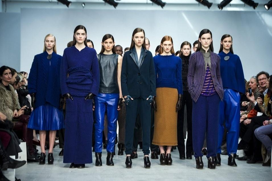 Modelos apresentam looks da Allude para o Inverno 2013 durante a semana de moda de Paris (06/03/2013)
