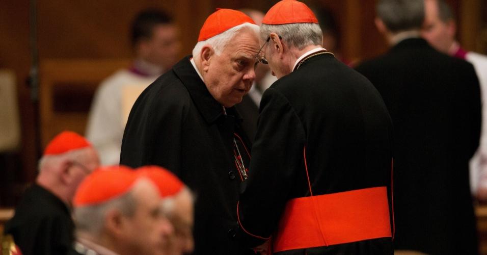 Uma junta de 115 cardeais vai eleger o sucessor do papa emérito Bento 16, que renunciou ao papado em 28 de fevereiro de 2013