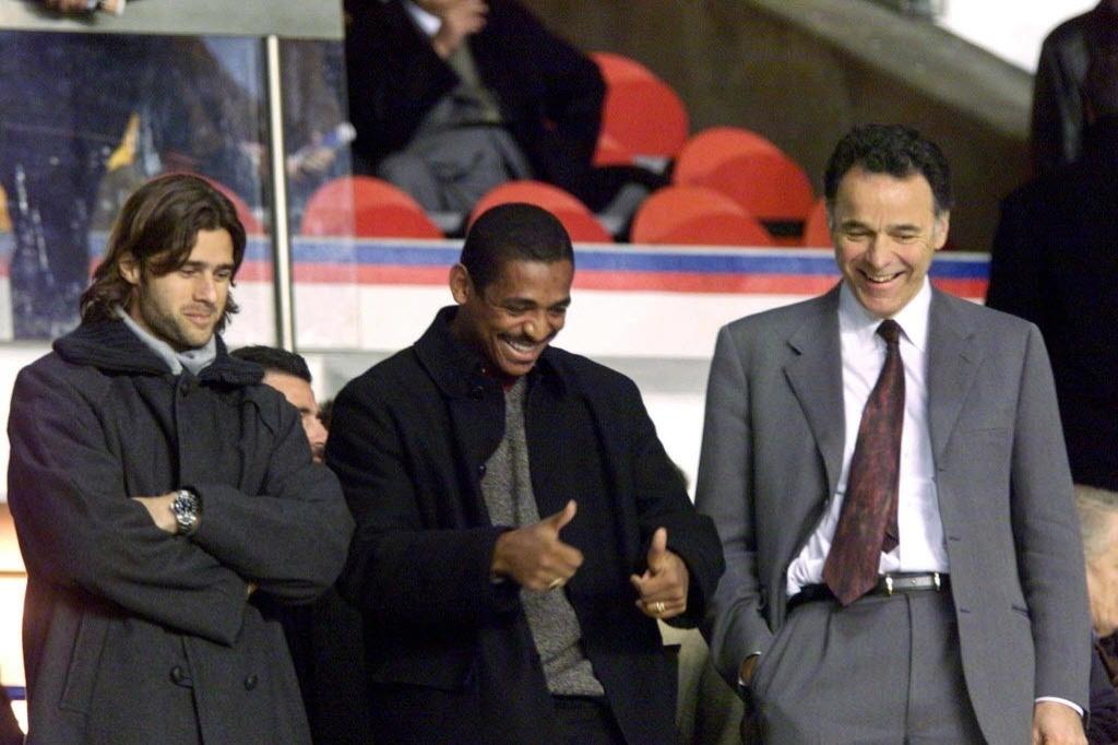 Vampeta esteve no PSG em 2001
