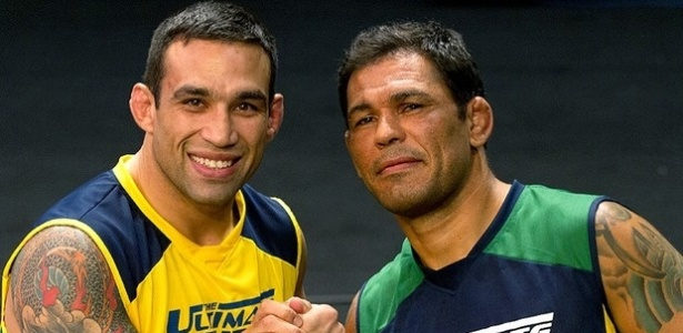 07.mar.2013 - Fabrcio Werdum e Minotauro posam como tcnicos do TUF Brasil 2