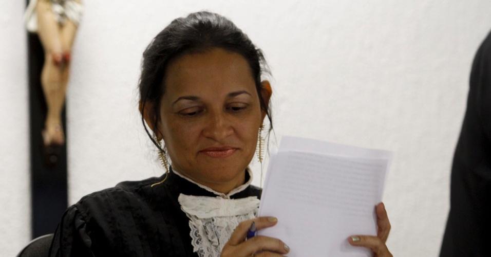 4.mar.2013 - A juíza Marixa Fabiane julga o caso do goleiro Bruno no fórum Pedro Aleixo, em Contagem (MG)