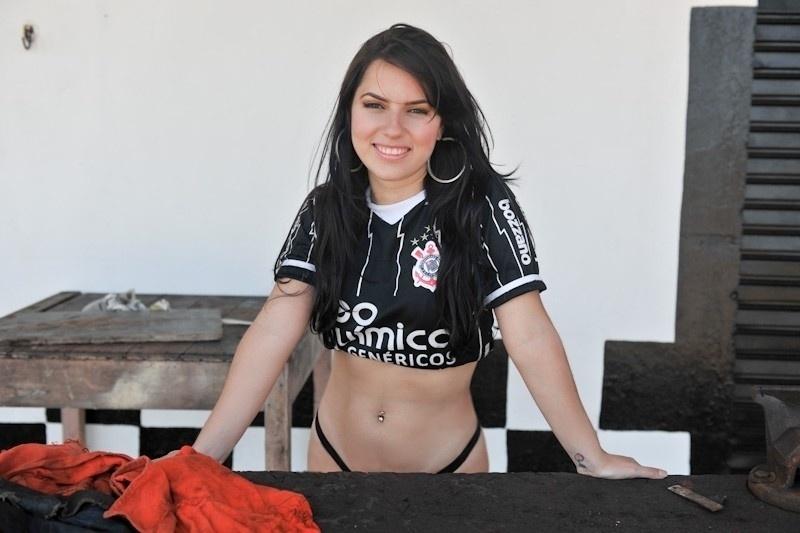 Jamile Pavlova, torcedora do Corinthians, se inscreveu no Belas da Torcida 2013