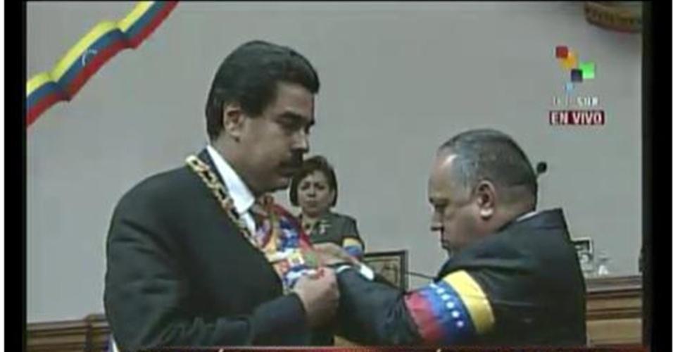 8.mar.2013 - Nicolás Maduro toma posse como presidente interino da Venezuela