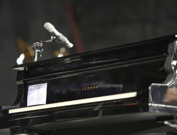 9.mar.2013 - Detalhe do piano que Elton John usará na apresentação no Estádio do Mineirão, em Belo Horizonte