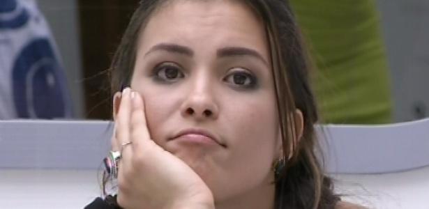 9.mar.2013 - Kamilla fica inconformada após Natália ganhar o anjo e escolhê-la para o castigo do monstro