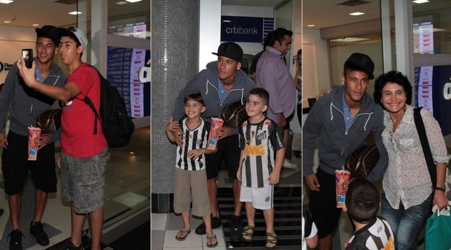 9.mar.2013 - O jogador Neymar foi tietado no aeroporto do Congonhas, em São Paulo
