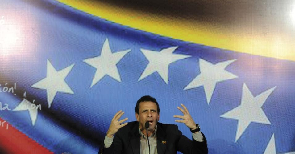 10.mar.13 - Henrique Capriles, líder da oposição venezuelana, anunciou na noite deste domingo (10) que irá disputar a eleição presidencial de abril. O pleito vai eleger o sucessor do presidente Hugo Chávez, morto na semana passada