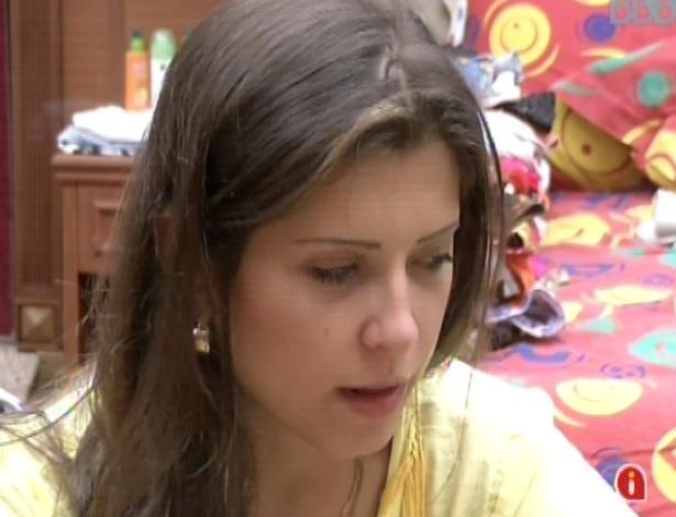 Em seu primeiro paredão, Andressa lamenta a falta de atenção de Fernanda