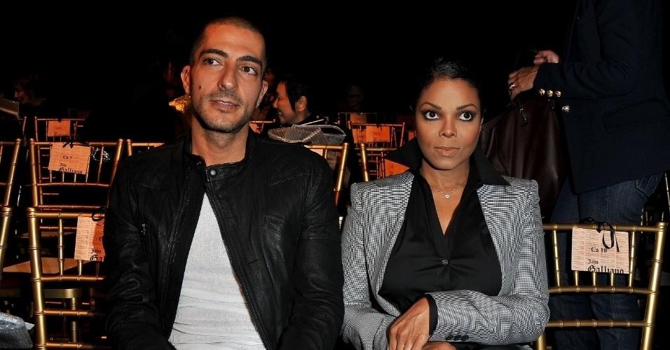 Janet Jackson pretende se casar com o bilionário Wissam Al Mana no Qatar, no Oriente Médio, durante a primavera do local - outono no Brasil. Segundo informações da revista