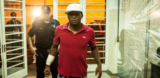 Jobson foi até detido acusado de agredir a mulher em passagem pelo São Caetanto