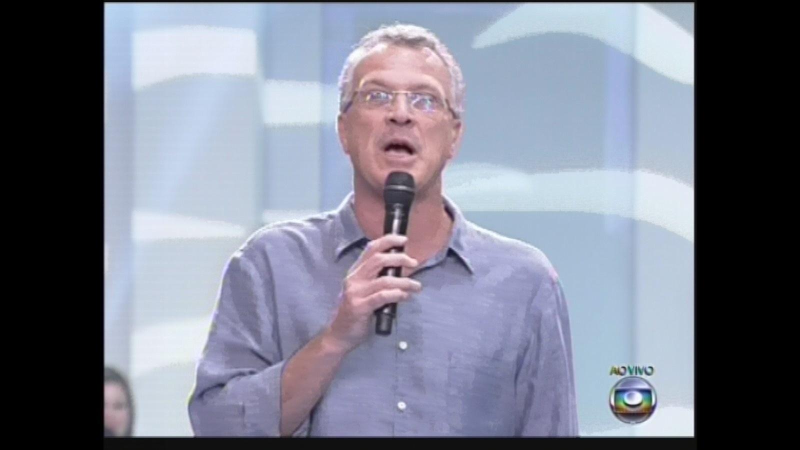 12.mar.2013 - Pedro Bial apresenta a décima eliminação do