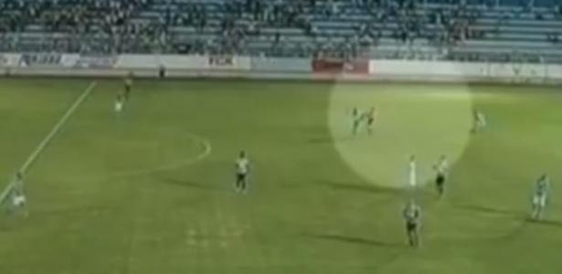 Jogador desfere voadora em árbitro pela terceira divisão paulista