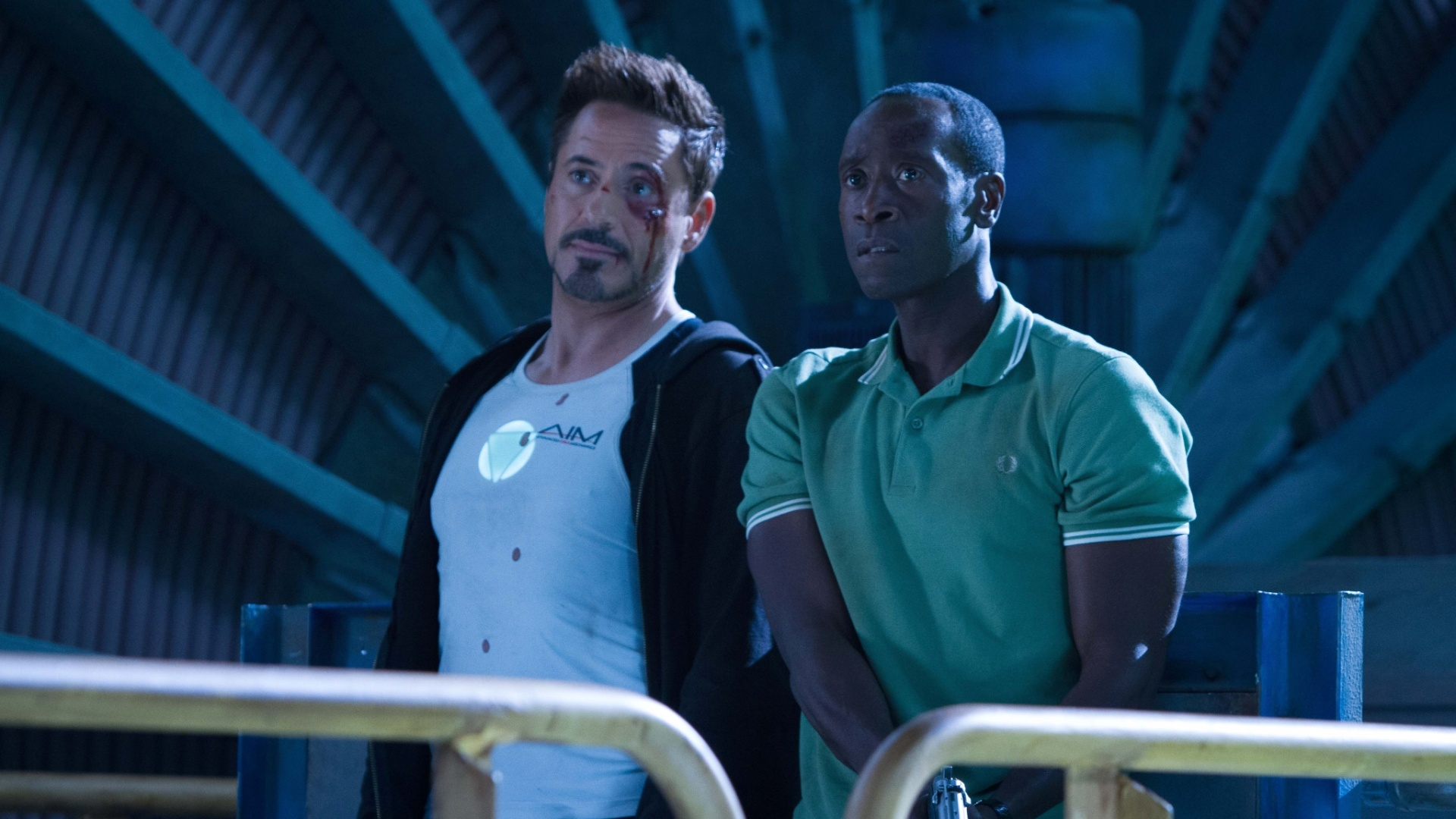 Robert Downey Jr. e Don Cheadle em cena do filme