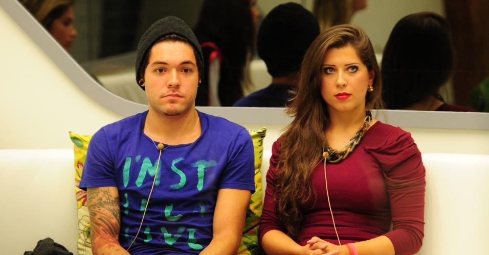 10.mar.2013 - O casal descobre que enfrentará a berlinda juntos contra Kamilla