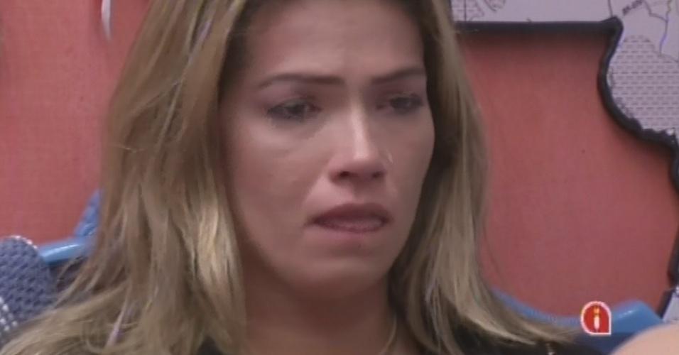 11.mar.2013 - Fani aos prantos após eliminação de Kamilla e desconfiança com Miguel